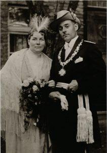 1928 - 1930
